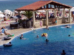 medence_pool bar_royal park_bulgária