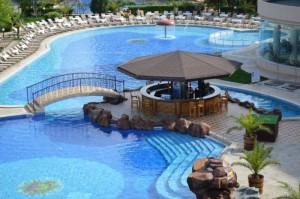 tiara beach_pool bar_napospart