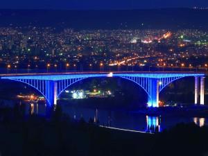 aszparuhovói híd este